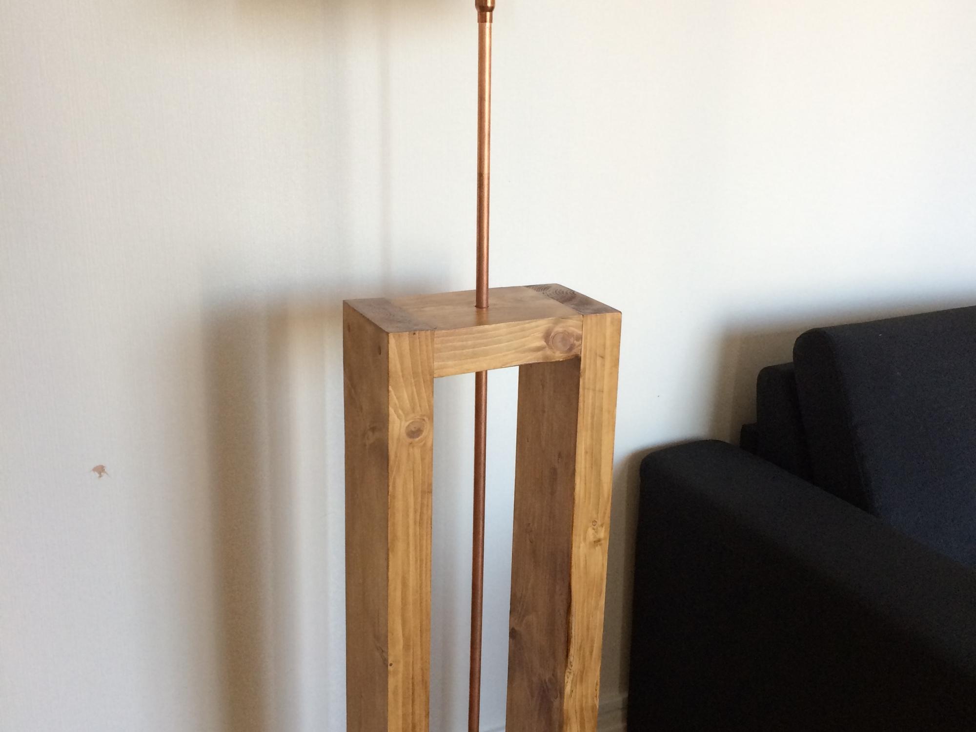 Fabriquer Une Applique En Bois une lampe mi-bois mi-cuivre – tout est diy